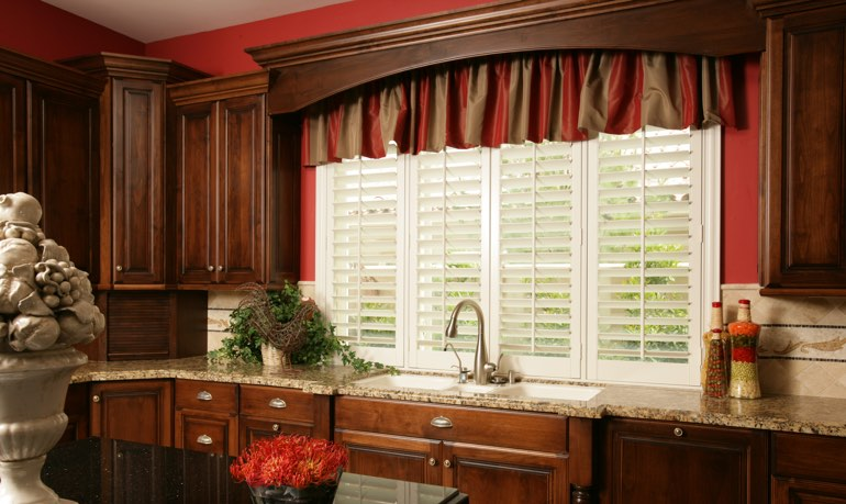 Austin kitchen shutter and cornice valance