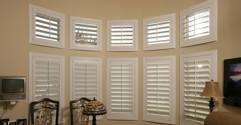 Bay window shutters Austin home office