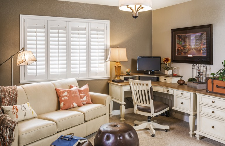 Merveilleux Home Office Plantation Shutters In Austin